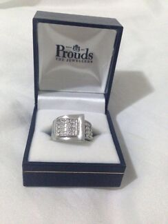 GREAT PROUDS RING GOOD CONDITION THE JEWELLERS ;) Banyo Brisbane North East Preview