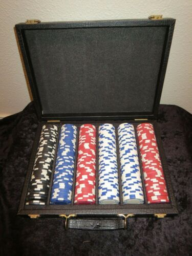 Set of 300 Clay Poker Chips Black Blue Red White Carrying Case Black