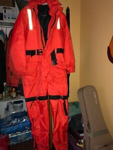 Mustang Floater Coverall size SMALL