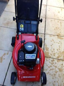 Victa lawn mower Thornlie Gosnells Area Preview