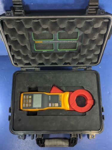 Fluke 1630-2 FC Earth Ground Clamp, Excellent, Screen Protector, Hard Case