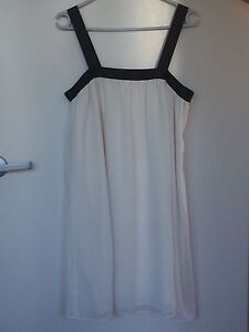 Semi-Formal Dress Taringa Brisbane South West Preview