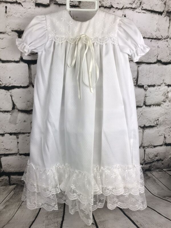 Beautiful Vintage Classic Baby Christening Gown w/ Lace ~ Long Infant Dress 0-6M