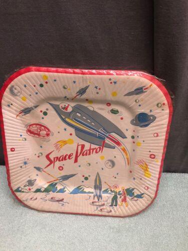 RARE VINTAGE SPACE PATROL PAPER PLATES 6 CT