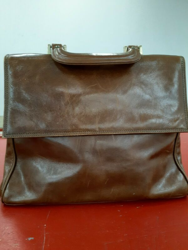 Vintage bag doctors handle flap roomy thick 3 compartments zipper snap