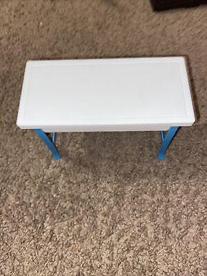 VINTAGE 1997 MATTEL BARBIE DREAM HOUSE FURNITURE WHITE & BLUE PLASTIC TABLE