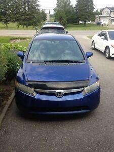 Honda Civic DX-G 2007 121000kilo automatique très propre