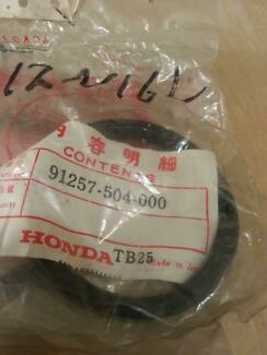 "HONDA S600  SEAL 61X72X8mm (Diff housing) ""91257-504-000"" Sunbury Hume Area Preview"