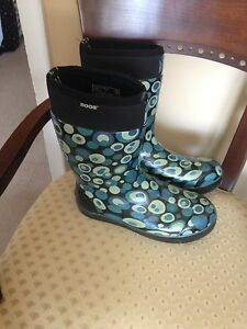 Bogs boots size 11