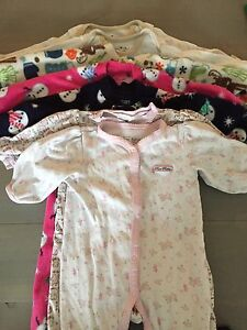7 size 6-9 mths sleepers
