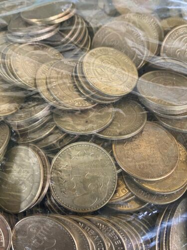 Lot of Approximately 700 Chuck E Cheese Tokens 8+ Pounds Circulated