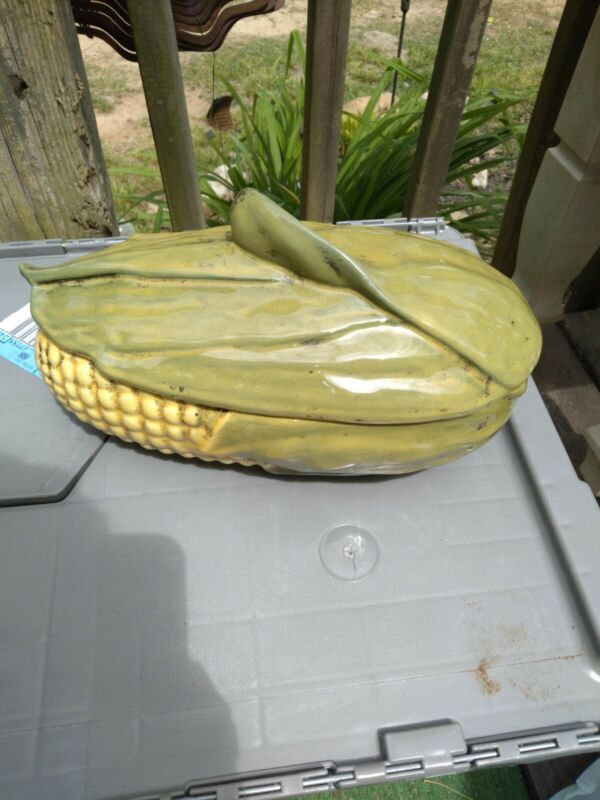 Shawnee Pottery Corn King 1.5 Quart Casserole with Lid Made in USA