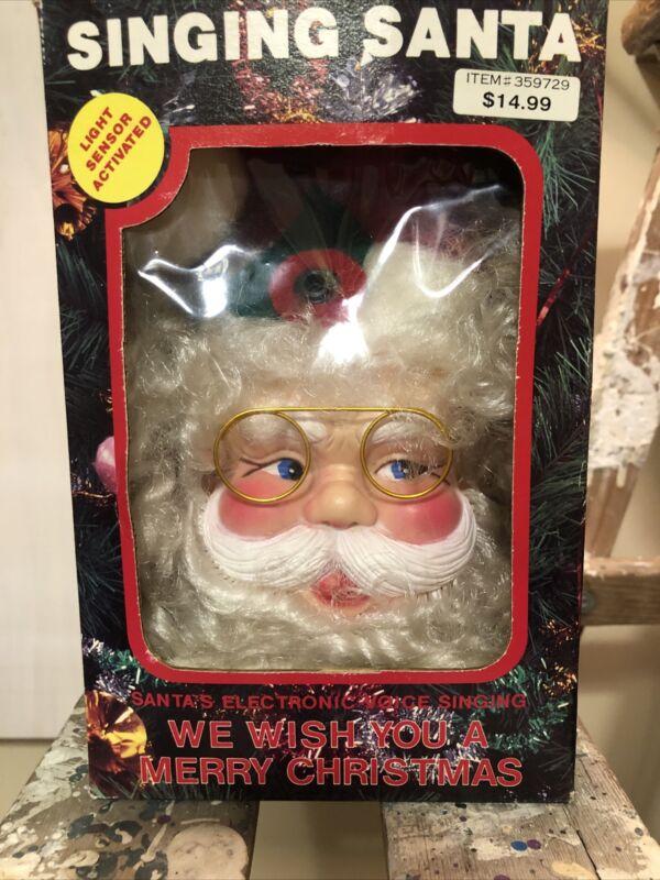 Vintage VTG 80/90s 1989 Light Activated Singing Santa Ornament Door Hanger Decor
