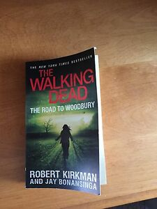 The walking dead- the Road to Woodbury book