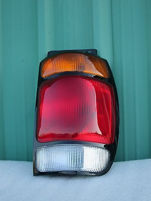 1995 1996 1997 Ford Explorer Taillight Right Passenger Tail lamp 95 96 97 1995 95 Ford Explorer Tail