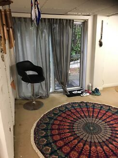 Studio to Rent - Collaroy beach Sydney (long term only)