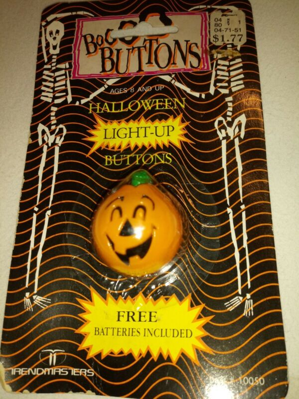 Vintage Halloween Light Up Pumpkin Button NEW old stock 1990 Trendmasters
