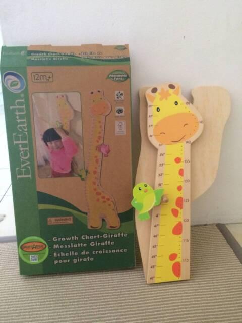 Everearth Beautiful Wooden Giraffe Growth Chart Yellow Toys