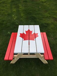 Picnic tables, various solid wood items