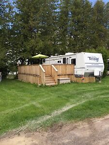 Waterfront trailer - hour west of Ottawa