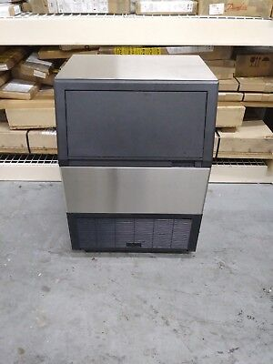 New Commercial Ice Machine 280 Lbs Daily . Summit Machine Stainless Steel.