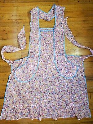 Vintage Aprons, Retro Aprons, Old Fashioned Aprons & Patterns Vintage Full Bib Womens Apron Pink Blue Liberty Floral Flowers Pockets MCM VTG $17.99 AT vintagedancer.com