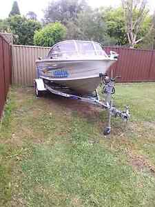 2004 Quintrex 435 Coast Runner 40hp Riverwood Canterbury Area Preview