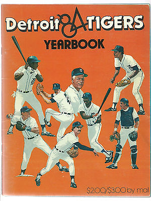 1984 Detroit Tigers Yearbook Signed x16 Alan Trammell, Lou Whitaker, George Kell