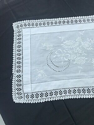 Vintage Lace Crochet and Embroidered Table Runner 35x 118cm