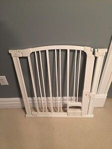 Baby or dog gate