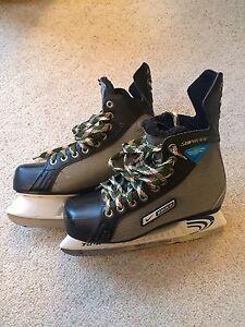 Boys Size 5 Ice Hockey Skates