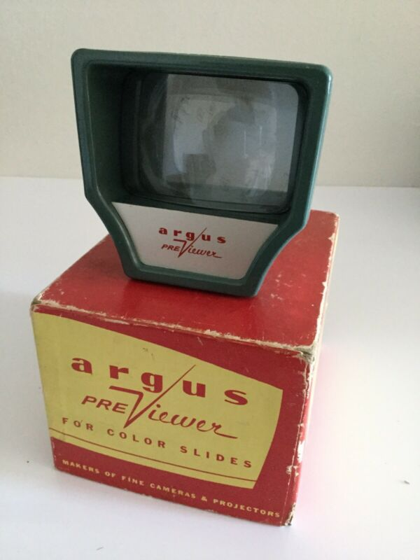VINTAGE ARGUS PREVIEWER FOR COLOR SLIDES WITH ORIGINAL BOX TESTED & WORKING..