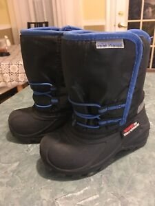 Kids winter boots size 9