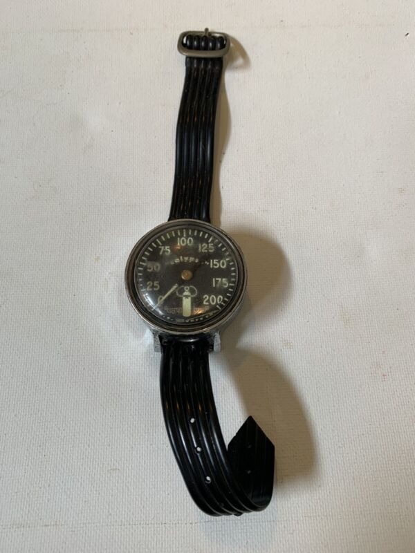 Vintage old US Diver co.Calypso Aqua Lung Diving wrist Watch pressure gauge 200