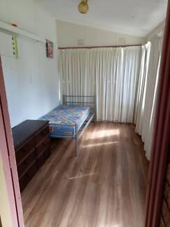 ROOM FOR RENT IN QUEANBEYAN WITH BILLS INCLUDED Queanbeyan Queanbeyan Area Preview