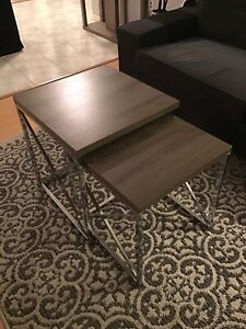 Tables gigognes couleur taupe