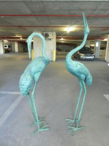 OUTSTANDING LARGE PAIR OF BRONZE JAPANESE WHOOPING CRANES