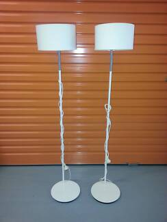pair of bed side light systems