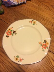 Alfred Meakin dinner plates