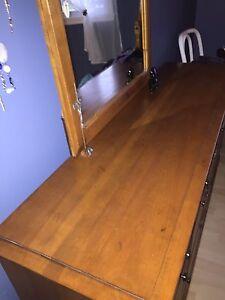 Bureaux H F tables chevet,  toile