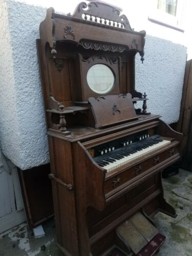 ANTIQUE VINTAGE BECKWITH CHICAGO PUMP ORGAN PIANO WITH ROUND MIRROR
