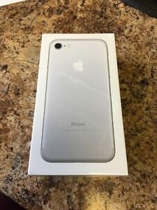 NEW iPhone 7 32GB Sliver