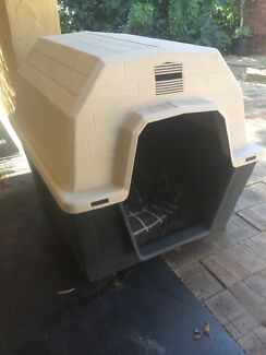 Dog kennel  Attadale Melville Area Preview
