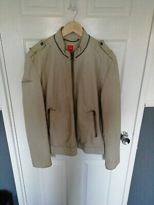 Men Hugo Boss genuine leather jacket size large slim fit used great condition
