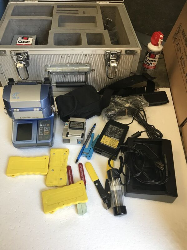 Sumitomo Electric Fusion Splicer Type-25 With Fiber Cleaver FC-6s