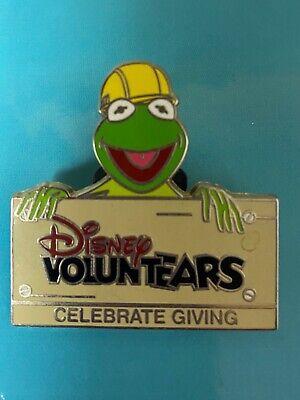 Disney Pin Pin Voluntears Kermit the Frog Celebrate Giving