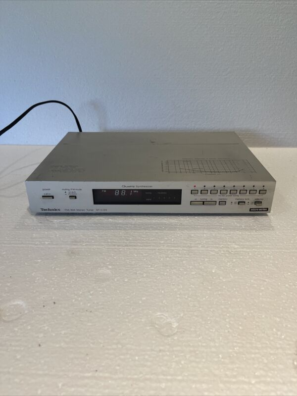 Technics Quartz Synthesizer FM/AM Stereo Tuner ST-C 03