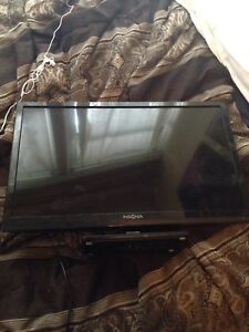 25 inch flat screen tv built in DVD player