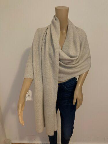 NEIMAN MARCUS 100% cashmere scarf