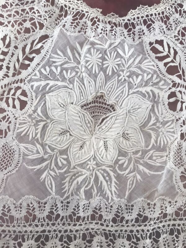 """Antique VICTORIAN Beautiful Rare Hand Made Lace Collar 16"""" X 20"""""""